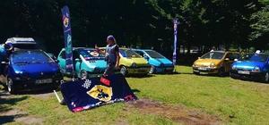Arabaları sayesinde aile gibi oldular 'Twingo Club TR' buluşması renkli görüntülere sahne oldu