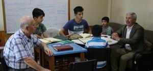 Başkan Yılmaz,  Kur'an Kursu öğrencilerini ziyaret ederek motive etti