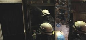 İş yerinde çıkan yangın ürünleri küle çevirdi