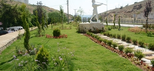Dinar'ın simgesi Suçıkan'a çiçek ve fidan dikimi yapıldı