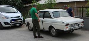 """Adana'da çalınan """"dede yadigarı"""" klasik otomobil bulundu"""