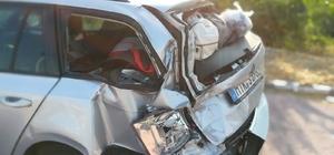 Tırın arkadan çarptığı otomobildeki 2 çocuk yaralandı
