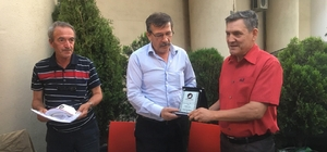ESBALDER Ayhan Oskaylar'ı tebrik etti