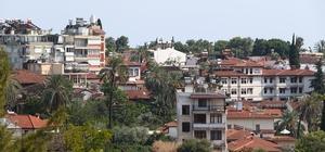 Antalya'da İmar Barışı başvurusu 70 bini geçti İmar Barışı düzenlemesi kapsamında Antalya'da yaklaşık 1 milyonun üzerinde başvuru yapılması bekleniyor Çevre ve Şehircilik İl Müdürlüğünde hazırlanan özel alanda yapılan başvurular ses kayıtlı kamera sistemleri altında alınıyor