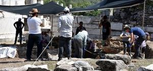 Sıcak hava antik kente çadır kurdurdu