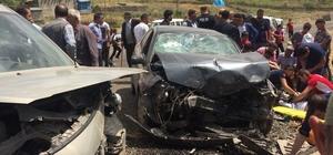 Tekman'da trafik kazası: 12 yaralı