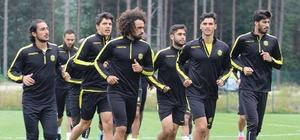 """Evkur Yeni Malatyaspor'da Sadık Çiftpınar'ın hedef açıklaması Sadık Çiftpınar: """"Bu seneki hedefimiz ligi ilk 8 içerisinde bitirmek"""""""
