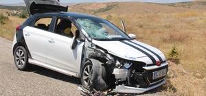 Otomobil ile motosiklet çarpıştı: 1 ölü, 8 yaralı