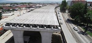 Salihli'nin köprülü kavşağı yükseliyor