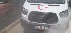 Edremit'te kamyoneti tamamen yanmaktan itfaiye kurtardı