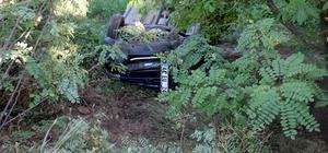 Virajı alamayan otomobil kayısı bahçesine uçtu: 4 yaralı