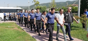 Kocaeli'de 350 bin TL değerinde kaçak yakıt yakalandı Gözaltına alınan 16 kişi adliyeye sevk edildi