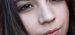 """""""Hakkınızı helal edin"""" notunu yazıp kayıplara karıştı Adana'da anne ve babasına 'hakkınızı helal edin' notunu bırakan 15 yaşındaki Eda Nur Esentürk'ten 5 gündür haber alınamıyor Anne ve baba gözyaşları içinde kızlarının eve gelmesini bekliyor"""