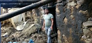Bir saatte bütün birikimi kül oldu Sason'da çıkan yangında 3 katlı ev çöktü