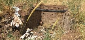 Teröristlerin sığınakları yerle bir edildi Sığınak içinde ev yapan teröristlere ağır darbe Tuğla ve briketlerle yapılan 3 odalı sığınaklar patlatılarak imha edildi