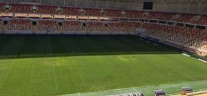 Yeni Malatya Stadyumu'nun çimleri de mantar hastalığına teslim