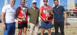 Kocaeli sahillerinde plaj voleybolu ve futbolu heyecanı sona erdi