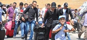 Suriyeliler bayramlaşmak için ülkelerine gitmeye başladı