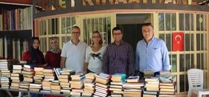 Yunusemre Kent Konseyi'nden 'Millet Kıraathanesi'ne kitap desteği