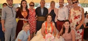Yüksekova'ya gelen Fransalı geline görkemli düğün