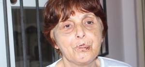 """Darp edilen Tuncer: """"Artık gönül rahatlığıyla evime dönebilirim"""" Antalya'nın Manavgat ilçesi'ndeki evinde 2 kişinin saldırısına uğrayan kadın, zanlıların Adana'da yakalanmasıyla rahat bir nefes aldı Hastanedeki tedavisinin ardından korkudan kardeşinin evinde kalan 65 yaşındaki kadın, zanlıların yakalandığını duyunca en kısa sürede evine dönme karara aldı"""