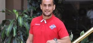 Hekimoğlu Trabzon FK'nın başarılı savunma oyuncusu Emre Akgün şampiyonluk için iddialı konuştu