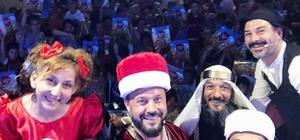 """'Geleceğe gülümsüyorlar"""" Geleneksel Türk tiyatrosunu köy çocuklarının ayağına götürüyorlar"""