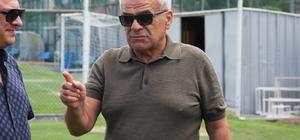 Hasan Kemal Yardımcı: ''2-3 sene sonra ayakta kalan bir kaç kulüpten biri olacağız'' Çaykur Rizespor Kulüp Başkanı Hasan Kemal Yardımcı: ''Riberio konusunda ümidimi yitirmiş değilim''
