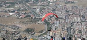Türkiye Yamaç Paraşütü Mesafe Yarışması Başladı