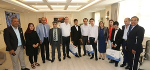 Belediye Başkanı Fatma Şahin görme engelli öğrencileri ağırladı
