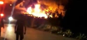 Hurdalıkta çıkan yangın 2 evi kül etti