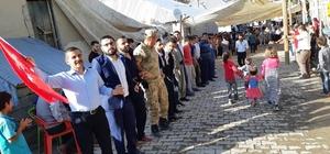Sınırda Türk bayraklı düğün Askerler halay çekip oynadı AK Parti 26.Dönem Hakkari Milletvekili adayı Mehmet Fırat'tan ABD ve PKK'ya gözdağı
