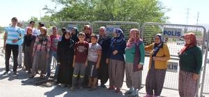 Vatandaşlar mahallelerine kurulmak istenen baz istasyonuna tepki gösterdi.