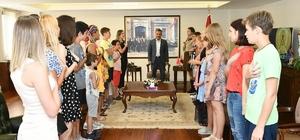 Samsun Valisi, Ukraynalı çocuklar ile İstiklal Marşı okudu