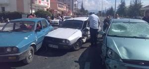 Afyonkarahisar'da zincirleme trafik kazası, 2 yaralı