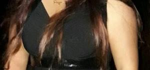 Dolandırıcı kadın kataloktan teşhis edildi Adana'da bir şahsın otomobilini yardım istemek için durdurup daha sonra da yankesicilik yöntemiyle 3 bin 500 lirasını alan kadın, mağdur kişi tarafından kataloktan teşhis edildi Yakalanan kadın, şahsın 3 bin 500 lirasını hemen geri verdi ancak adliyeye sevk edilmekten kurtulamadı