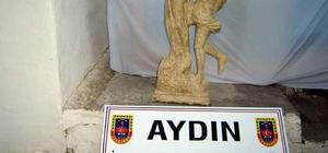 Şüpheli çantadan tarihi heykel çıktı