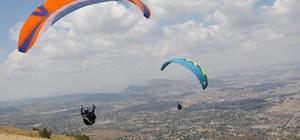 Ali Dağı Türkiye Yamaçparaşütü Yarışmasında ilk gün sonuçları