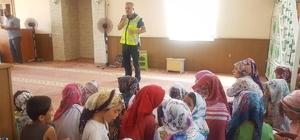 Kur'an kursu öğrencilere trafik eğitimi