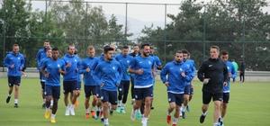 """Altıparmak: """"Konya'dan galibiyetle dönmek istiyoruz"""" B.B. Erzurumspor Atiker Konyaspor maçı hazırlıklarını sürdürüyor"""