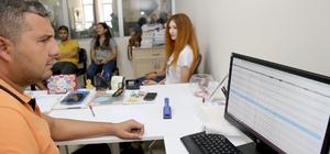 Büyükşehir'den öğrencilere doğru tercih desteği Adana Büyükşehir Belediyesi YKS'de başarılı olan öğrencilerle doğru tercih yapmaları için bu yıl da ücretsiz rehberlik hizmeti veriyor