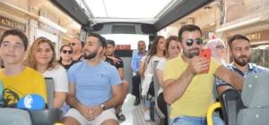 Kayyum başkandan turistlere ücretsiz özel gezi otobüsü sürprizi Hizmette sınır tanımayan Vali ve Belediye Başkanı Mustafa Yaman'dan turizme büyük hizmet