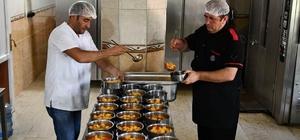 Tunceli'de her gün bin aileye sıcak yemek