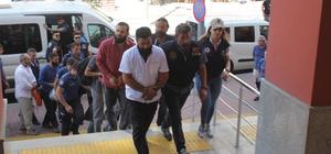 Kocaeli'de DEAŞ üyesi olduğu iddia edilen 16 kişi adliyeye sevk edildi Operasyon anı saniye saniye polis kamerasına yansımıştı