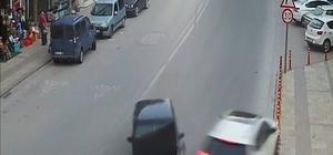 Denizli'de yaşanan trafik kazaları kamerada Otomobillerin ve motosikletin karıştığı kazalar anbean görüntülendi