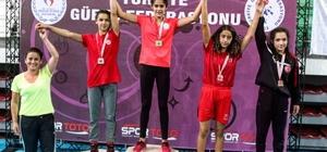 Köyceğizli pehlivan kızlar madalyaları sıraladı