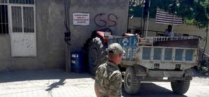 Traktör kahvehaneye daldı