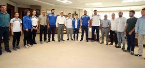 """Başkan Karaosmanoğlu, """"Dünya'da söz sahibi sporcular yetiştiriyoruz"""""""