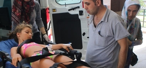 Bisikletin fren kolu karnına saplanan çocuk yaralandı Karnındaki fren koluyla hastaneye sevk edildi