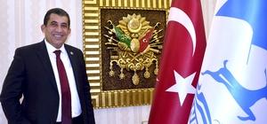 """Belediye Başkanı Menderes Atilla'dan Amerika'ya tepki Ceylanpınar Belediye Başkanı Menderes Atilla: """"Her şeyin farkındayız"""" """"Milletimizin hikayesinde hep iyiler kazanır"""""""